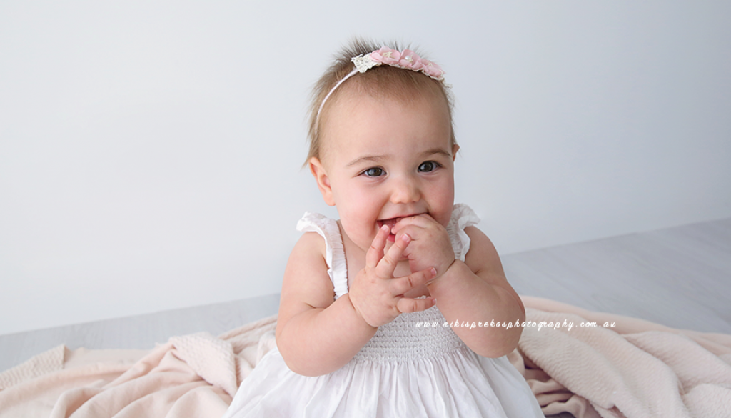 Newborn baby photographer melbourne